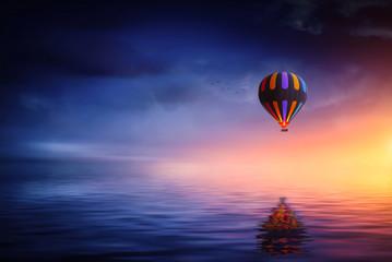 Air ballon at lake