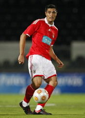 Benfica v Portsmouth - City of Guimaraes Trophy 2009 - Pre Season Friendly Tournament