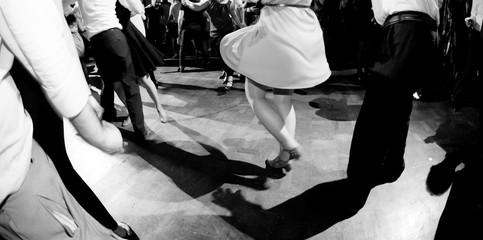 Obraz Ballare alla festa di musica swing - fototapety do salonu