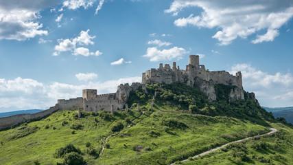 Fotorolgordijn Kasteel Spis castle in Slovakia is one of the largest castles in central Europe
