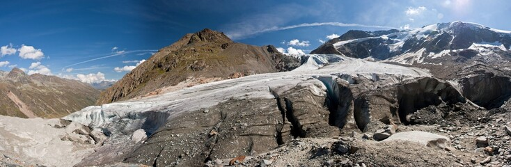 Panoramic view to the Taschachferner glacier in the Ötztal Alps in Austria