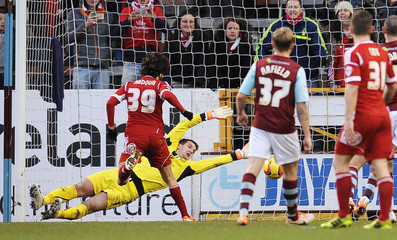 Burnley v Nottingham Forest - Sky Bet Football League Championship
