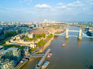 Foto op Canvas Barcelona London view with Thames Shard and Tower bridge