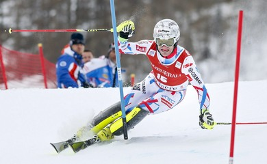 France's Lizeroux skis during the first lap of the men's slalom race for the Alpine Skiing World Cup in Val d'Isere