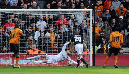 Wolverhampton Wanderers v Charlton Athletic - npower Football League Championship