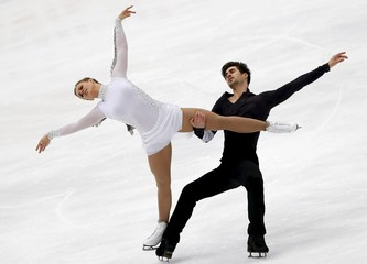Hubbell and Donohue of the U.S. perform during the ice dance free dance program at the ISU Grand Prix of Figure Skating in Nagano