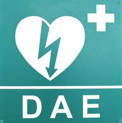 AED ( Automated External Defibrillator ) heart and thunderbolt