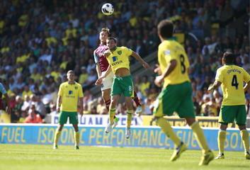 Norwich City v West Ham United - Barclays Premier League