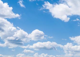небо с облаками, шаблон и текстура для натяжных потолков