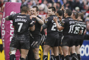 St Helens v Wigan Warriors engage Super League