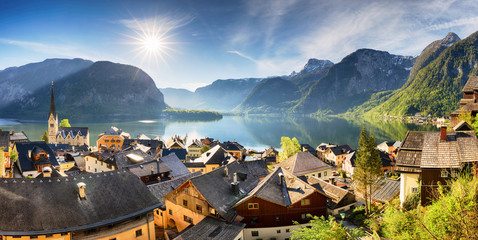 Wall Mural - Panorama Mountain landscape in Austria Alp at sunrise in Hallstatt