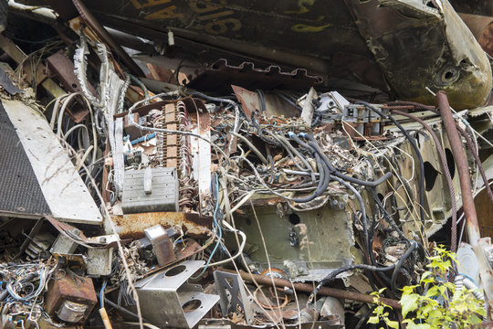 Electronics in wrecked airplane