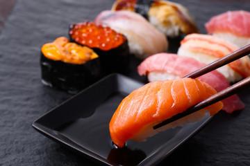 寿司、サーモン