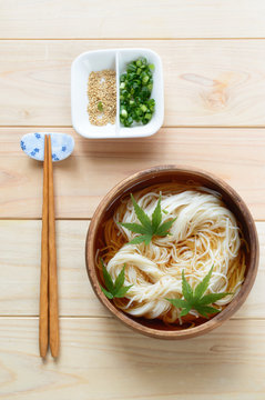Zaru Somen is one of the most popular Japanese dishes to enjoy on hot summer days.