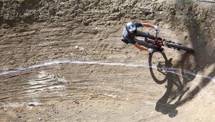 vélo tout terrain descente