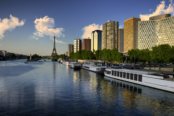 Flowing to the Eiffel Tower