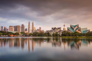 Foto op Aluminium Kuala Lumpur Kuala Lumpur. Cityscape image of Kuala Lumpur skyline during sunset.