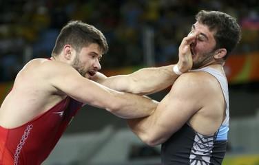 Wrestling - Men's Greco-Roman 98 kg Bronze