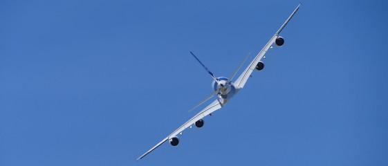 avion quadri réacteurs bannière