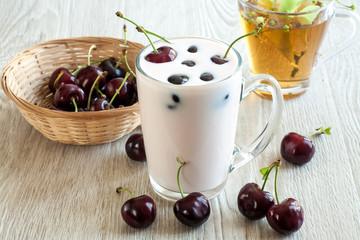 Yogurt with cherries