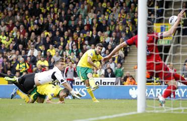 Norwich City v West Bromwich Albion - Barclays Premier League