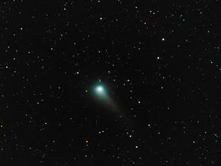 Comet C/2015 V2 Johnson near Earth orbit