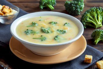 Fotobehang - cream soup with broccoli