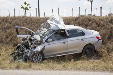 Sehr schwerer Autounfall
