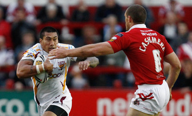 Salford City Reds v Huddersfield Giants engage Super League