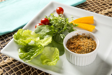 Crumble with salad