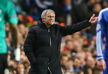 Chelsea v FC Schalke 04 - UEFA Champions League Group Stage Matchday Four Group E