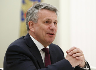 CEO of Royal Dutch Shell van Beurden meets with Russian President Putin in Moscow