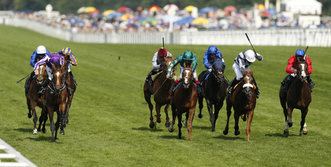 Ryan Moore (L) wins the 4.20 Prince Of Wales' Stakes on Highland Reel