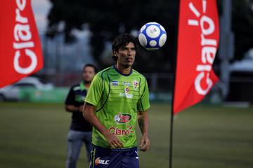 "Uruguayan soccer player Sebastian ""El Loco"" Abreu plays with the ball during his presentation with new club Santa Tecla F.C. in Santa Tecla"