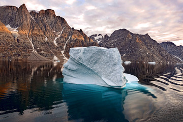 Photo sur Aluminium Pôle Iceberg in Greenland