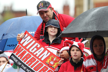Wigan Warriors engage Super League victory parade