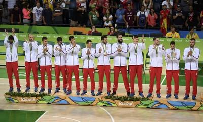 Basketball - Men's Victory Ceremony