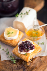 Goat Cheese with Onion Marmalade with Honey