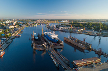 Keuken foto achterwand Europese Plekken The ship is at the dock of the shipyard. Riga, Latvia, Daugava.