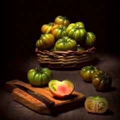 Natura morta con pomodori acerbi