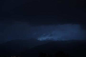 Gewitter, Blitz, Wetterleuchten, Nacht, Sommergewitter, Hitzegewitter, Unwetter