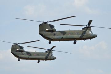 Formación de helicópteros de transporte Chinook