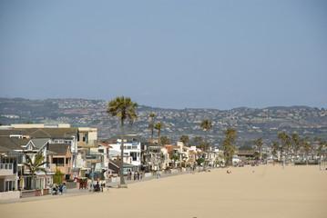 Strand und Häuser von Newport Beach, Orange County - Kalifornien