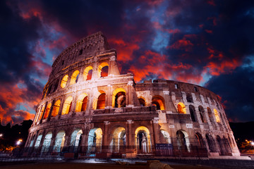 Colosseum in Rome at night. Italy, Europe Fototapete