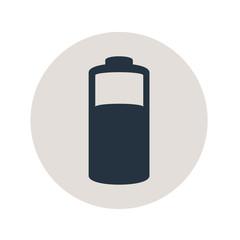 Icono plano pila electrica en circulo gris