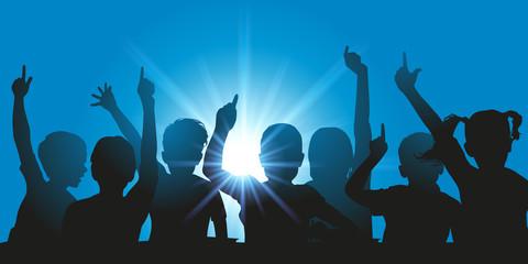 enfant - école - lever la main - éducation - réponse - répondre - connaissance - question