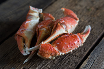 Boiled crab claws