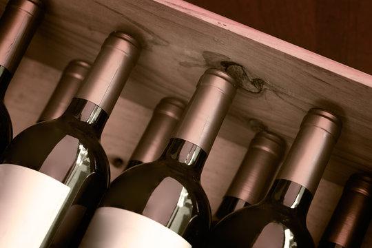木箱入り赤ワイン