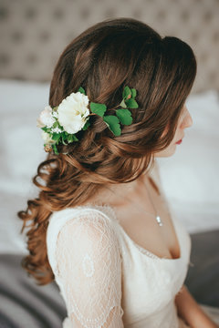 Beautiful bride with fashion wedding hairstyle In a hotel