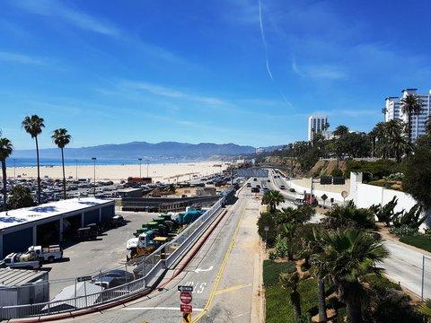 Street along Santa Monica beach in Los Angeles
